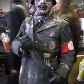 El Mejor Cosplay del Mundo - Zombie Nazi