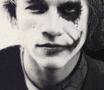 Heath Ledger como the Joker
